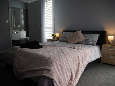 Photo for 4 Bedroom Home Thirlmere..Walk to NSW Rail Transport Museum