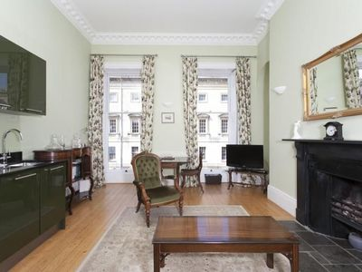 Photo for Light and airy romantic Georgian one bedroom flat for 2