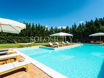 Photo for Relaxed Villa set in Countryside with a fantastic Pool and Peaceful Atmosphere