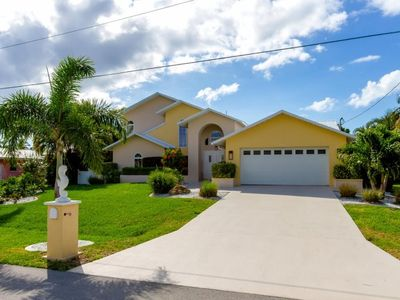 Photo for SE Cape Coral | Direct Access | 2 kayaks, 2 bikes, pet friendly