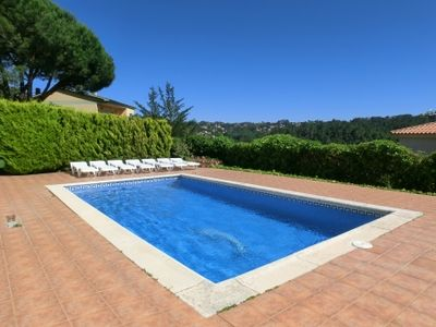 Photo for 4 bedroom Villa, sleeps 8 in Santa Ceclina with Pool and WiFi