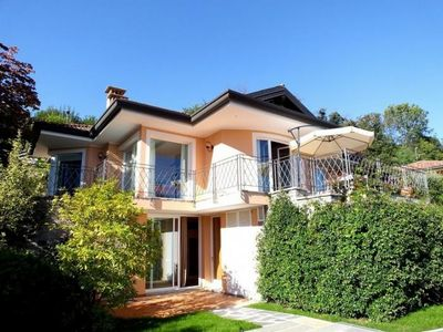 Photo for Approximately 160 m², elegant villa with 3 bedrooms, private pool and lake view
