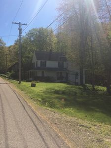 Cottage in Maple Springs, NY with lake rights