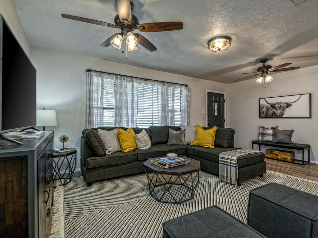 Located Minutes From Baylor Downtown Waco Amp I 35 Robinson