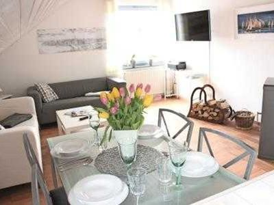 Photo for Baltic Sea, 2.5 room apartment, up to 4 pers. - Hilbert, Ina