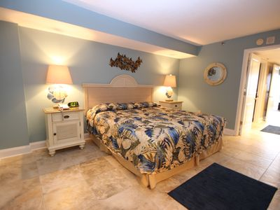 Photo for Renovated Oceanfront King Bed Suite - Perfect Getaway!
