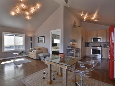 Photo for Cityscape Cottage, Best View of Downtown, 5 min. walk, Close to ACL and SXSW