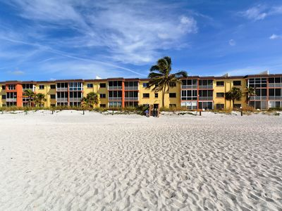 Photo for Siesta Key - Gulf-Front Retreat - 2 BR – Free Boat Docks - Ground Floor