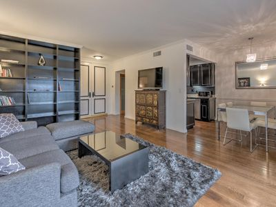 Photo for 1 BR apartment in with access to pool. Moments from Sunset Boulevard (Veeve)