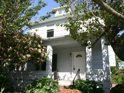 Photo for Ground Floor Apartment In The Heart Of Hawthorne District