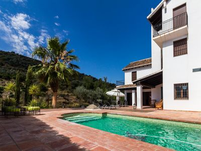 Photo for Luxurious house south of Granada with pool and free wifi