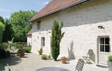 Search 300 holiday lettings