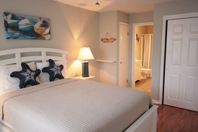 The en suite bathroom has been updated. All linens are provided for your stay!