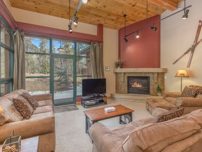 Photo for 4-bedroom Townhouse, Private Hot Tub, Scenic Views, Upgraded Kitchen