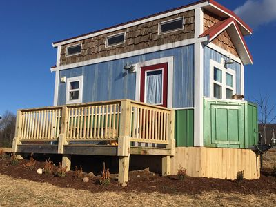 Tiny House on Top of a Hill: SPECTACULAR VIEWS!