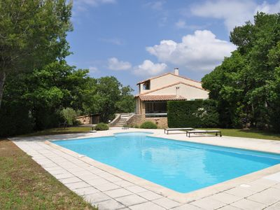 Photo for Luxury villa on the heights of the Monts de Vaucluses and the