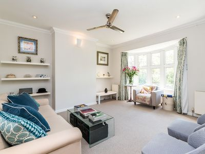 Photo for Gorgeous 2 Bed Flat in trendy Brixton Free Parking