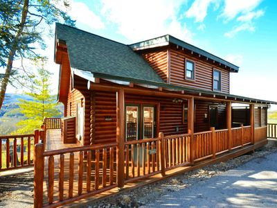 Smoky Mtn Haven- FREE FUN See below** Hot Tub/Pool Table/WiFi /Gas Fireplace / Close to Pigeon Forge