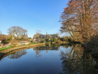 Photo for LOWER CALBOURNE MILL, family friendly in Calbourne , Ref 999302