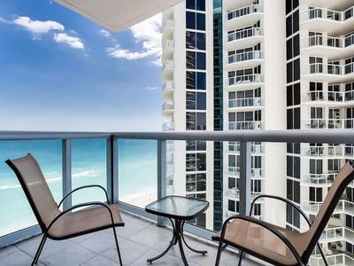 Photo for Luxurious 1BR w/ Oceanviews @MARENAS#115