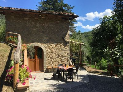Photo for Romantic 2 bed hideaway, small pool and hot tub. Mountain views. What a retreat!