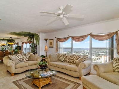 Photo for 3 Bedroom 3 Bathroom Condo on Daytona Beach Shores