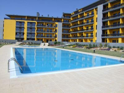 Photo for Luxury ground floor apartment, swimming pool, 190m from the beach.