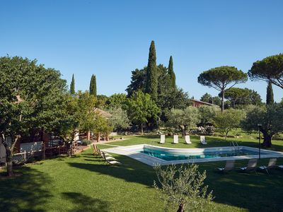 Photo for Oasis of peace on the outskirts of Perugia, apt. in the villa, veranda with outdoor kitchen