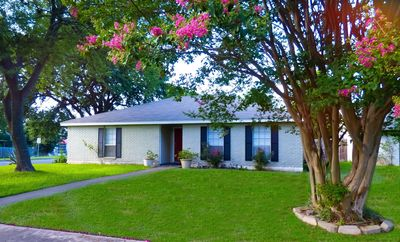 Photo for Petes place nice comfortable relaxing place for your gateway to Austin, TX..