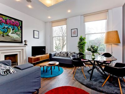 Photo for Luxury and Spacious 3 Bedroom Apartment in Kensington, London