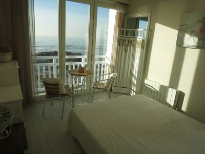 Photo for exceptional Villa 4 * FRONT DE MER panoramic view feet in the water