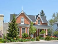 Beautiful home in Picton