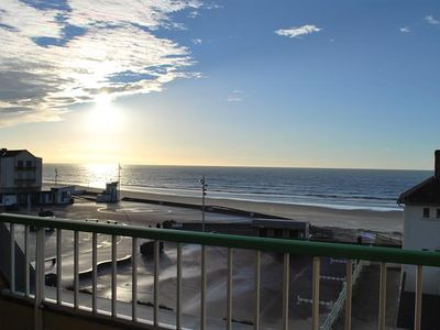 Photo for FORT MAHON BEACH: 2 bedroom apartment facing the sea.