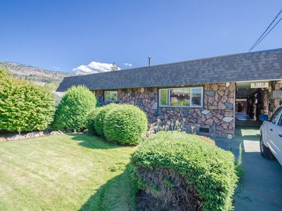Photo for The Rock House - Large Family Home only 5 Minutes to the Beach!