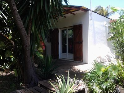 Photo for Nice Bungalow with large garden 50 m from the beach