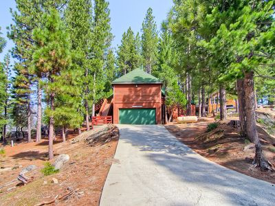 Photo for Coyote Creek is that special cabin that offers you luxury and comfort in the splendor of Yosemite