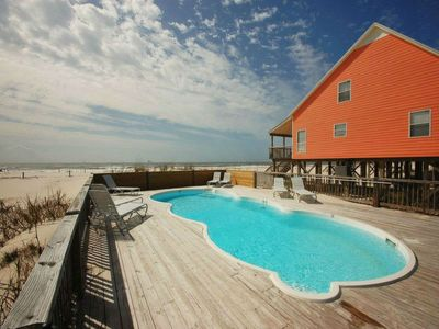 Pet Friendly, Community Pool, Beachfront, & Quick online booking for activities!!