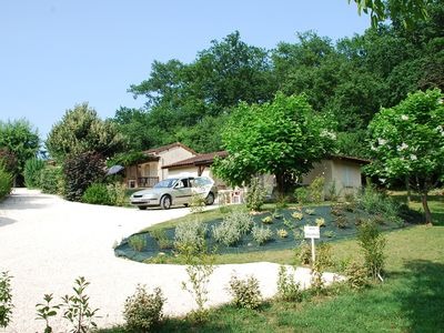 Photo for Quiet and relaxing cottage in village of six cottages Le Châtenet 6km from Lascaux