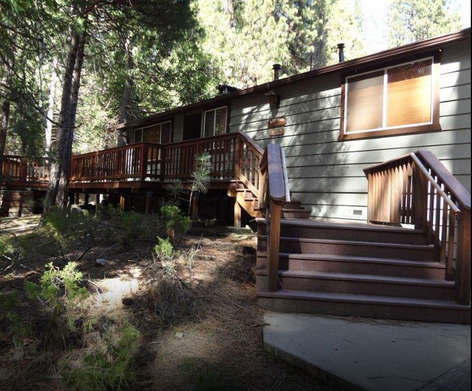 Enjoy a clean and cozy cabin inside yosemit homeaway for Cabins inside yosemite national park