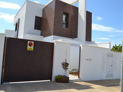 Photo for Modern Home Close to Beach with Pool, Rooftop Terrace, Wi-Fi & Air Conditioning; Parking Available