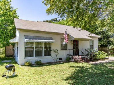 Photo for ⭐️Columbus Cottage Minutes to Benning! Sleeps 6! Pets welcome!✨