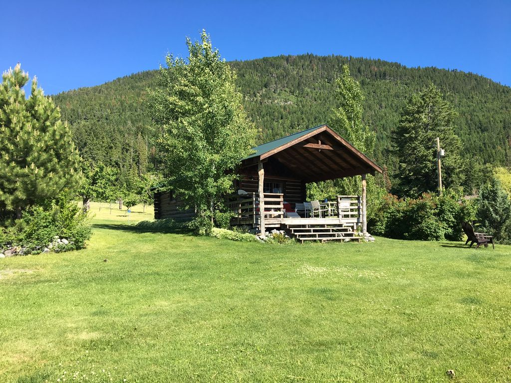 Authentic Montana Log Studio Cabin Overlooking Flathead
