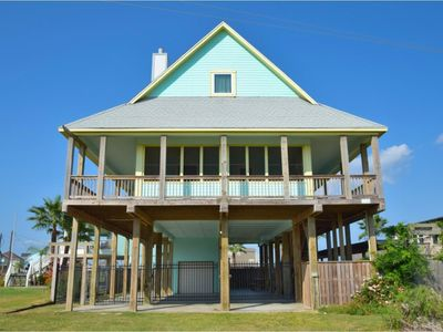 Photo for This home has plenty of room for your beach vacation!