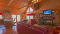 Great cabin with great location close to pigeon forge, Gatlinburg, and Smokey mountains