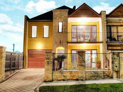 Photo for Self contained Comfortable Inner City TownHouse