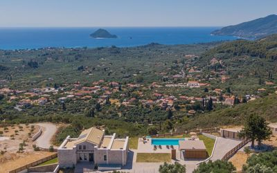 Photo for R381 3 Bedroom Villa with Lovely Sea Views