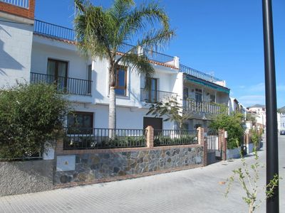 Photo for 4 bedroom Villa, sleeps 9 with Air Con and FREE WiFi