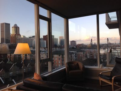Photo for Elegant 1 bd + den Condo With Stunning View Of Downtown, Marina and River