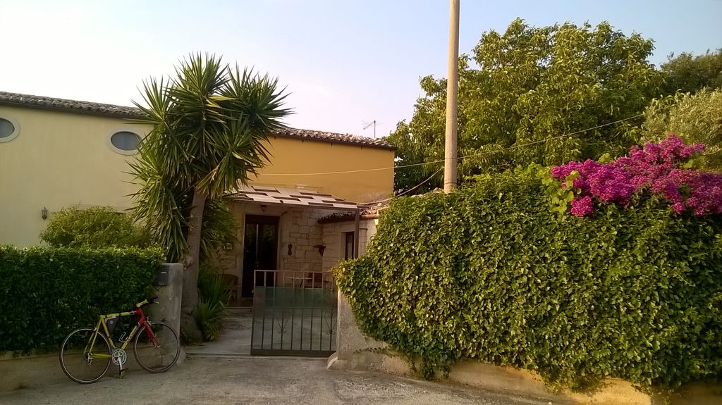 Grandparents' home near the archaeological park and 4 km from the county of Modica.
