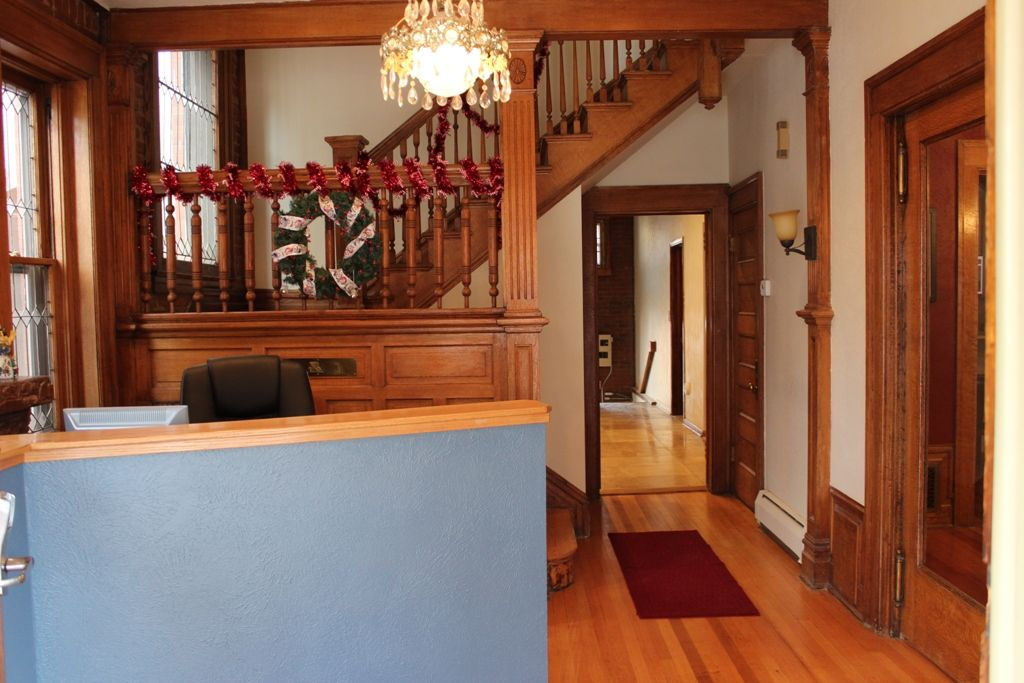 Contemporary Victorian Home in the Heart o VRBO